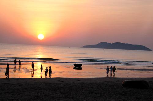 Biển Cửa Lò với cát mịn sóng không quá to