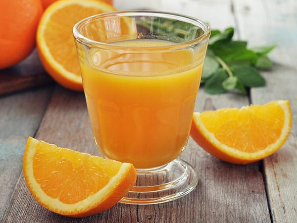 Uống nước cam nhiều tăng cường Vitamin C