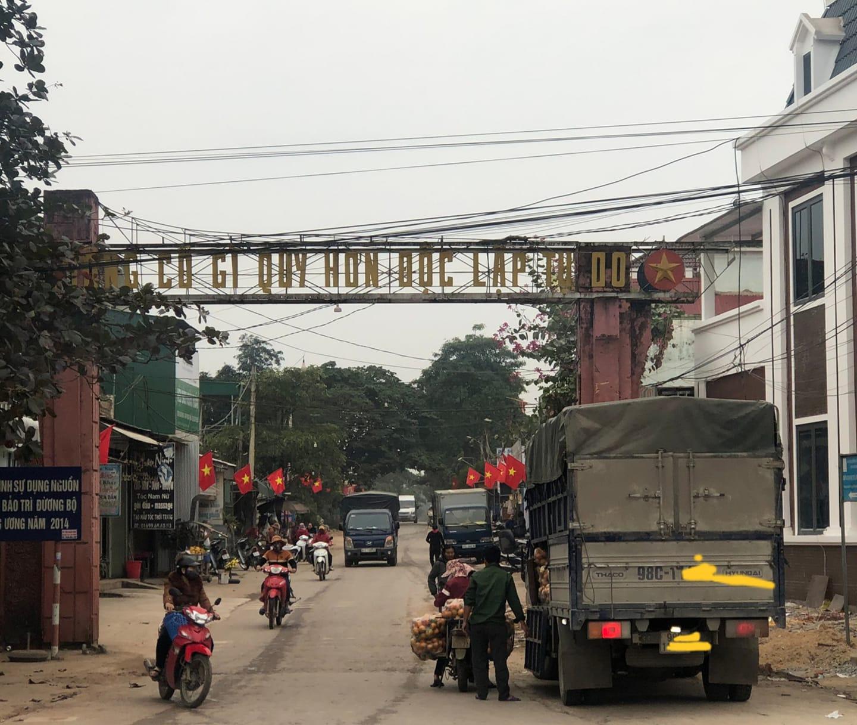 Xe biển phía Bắc chở Cam lạ đến thủ phủ Cam Vinh
